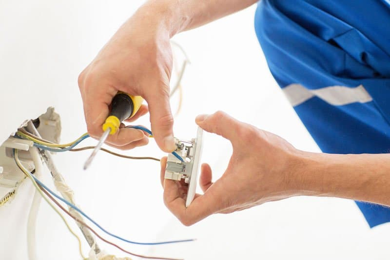 Electrician Lutz